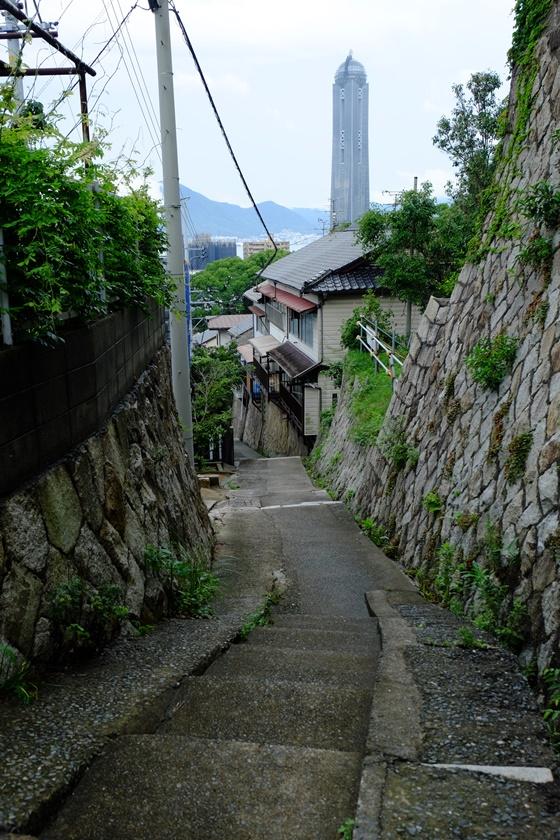 階段のある道