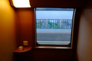 ノビノビ座席 窓