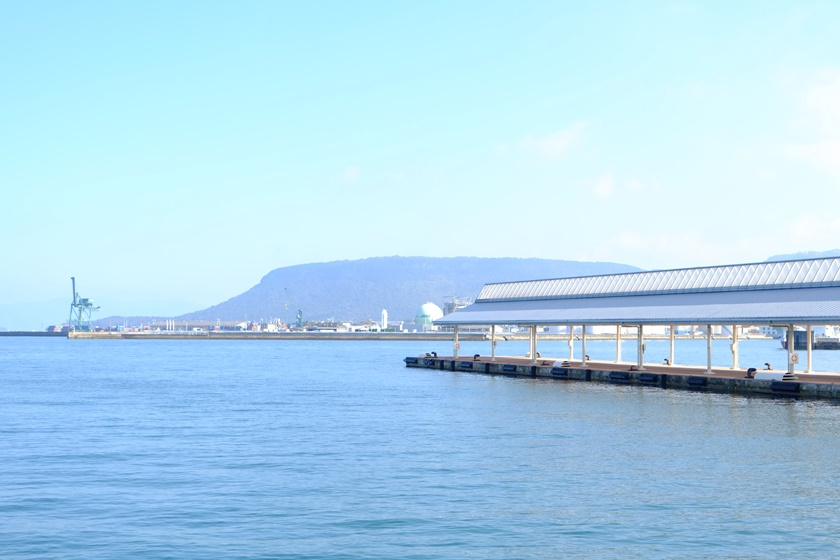 快晴の高松港