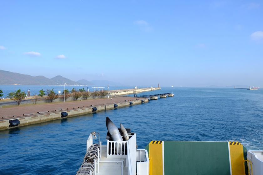 高松港に到着